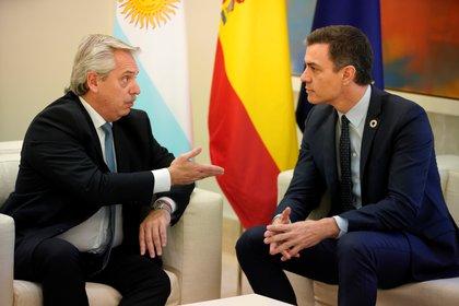 Alberto Fernández et Pedro Sanchez lors de leur dernière rencontre au Palacio de la Moncloa