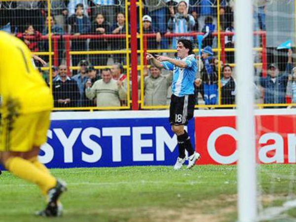 Los chicos le preguntaron a Hauche por su paso por la selección argentina