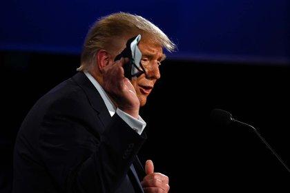Trump aseguró que no está en contra del uso de la mascarilla y dijo que la usa cuando es necesario