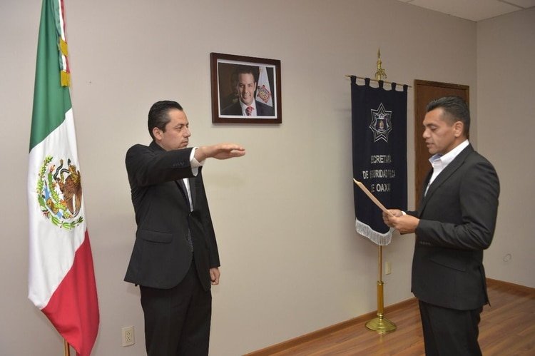 Raúl Salcedo tomó protesta como secretario de Seguridad Pública de Oaxaca hace menos de una semana (Foto: Twitter)