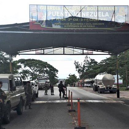Alcabala en el Puente Venezuela