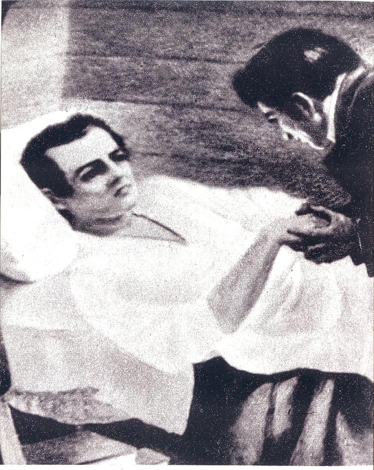 Mariano Moreno murió en alta mar luego de una agonía de tres días, aparentemente producida por un extraño medicamento que le dio el capitán del barco