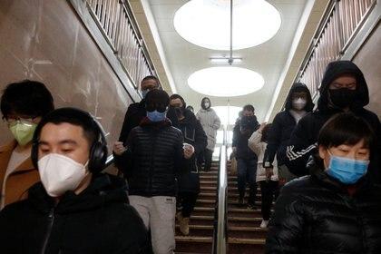China registra más de 80.000 casos confirmados de coronavirus (REUTERS/Thomas Peter)