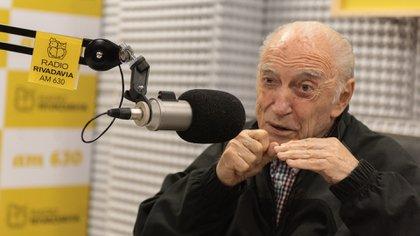 Cacho Fontana fue homenajeado este lunes en Radio Rivadavia (Adrián Escandar)