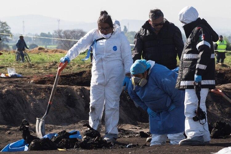 Por la mañana a{un había cuerpos en la zona de la tragedia (Fotos: Cuartoscuro)