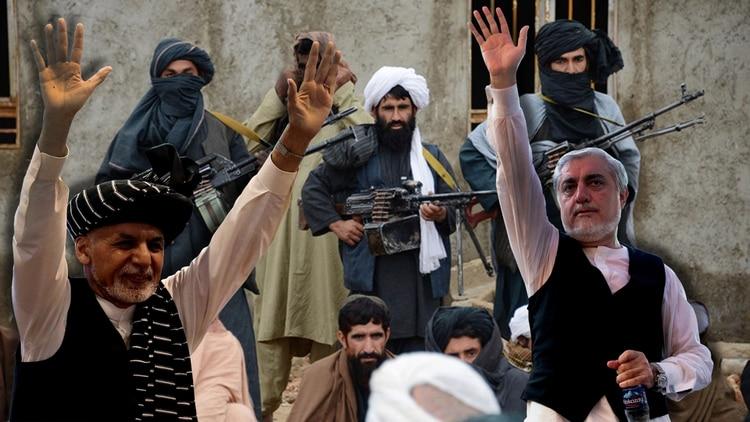 A la izquierda, el presidente Ashraf Ghani, que aspira a la reelección. A la derecha, Abdullah Abdullah, el principal candidato opositor. De fondo, un comando talibán