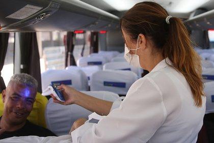 Dentro de los aviones los controles se agudizaron - REUTRES/Rahel Patrasso
