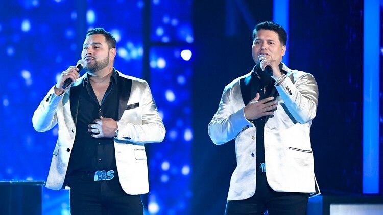 Banda Sinaloense MS de Sergio Lizarraga interpretó un Medley con los temas 'El Color de Tus Ojos' y 'Por Siempre Mi Amor' en Premios Billboard 2019.(Foto: Bryan Steffy/Telemundo)