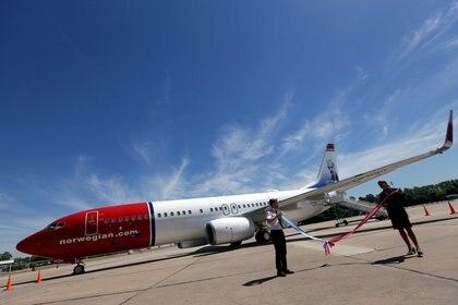 Norwegian, una de las low cost que operan en el país (REUTERS/Marcos Brindicci)