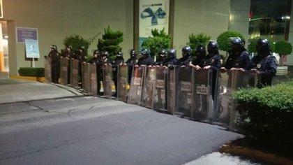 Policias de la CDMX en las instalaciones de la Cooperativa Cruz Azul (Foto: Cortesía/ SSC)