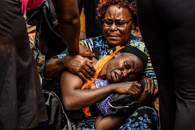Las escenas de dolor en la morgue (AFP)
