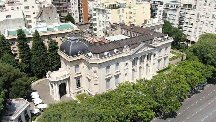 En el Palacio Errázuriz Alvear se ubica el Museo Nacional de Arte Decorativo (Thomas Khazki)