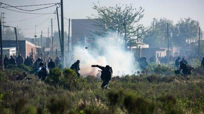 El operativo tuvo como saldo enfrentamientos entre las fuerzas de seguridad y los ocupantes