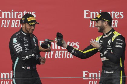 Lewis Hamilton sumó su 93a victoria en la Fórmula 1 (Foto: Reuters / Luca Bruno)