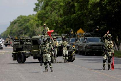 """Miembro de la Guardia Nacional en el sitio de la captura del """"Marro"""" (Foto: REUTERS/Sergio Maldonado)"""