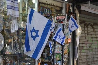 La calles de Tel Aviv, embanderadas para celebrar el 70°aniversario de la Independencia