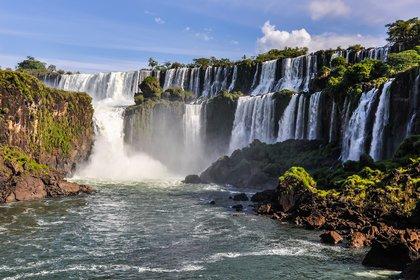 Las cataratas del Iguazú, uno de los principales atractivos turìsticos a lo largo de todo el año