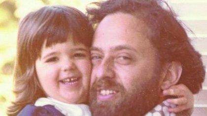 Osvaldo Sivak, con una de sus hijas. Fue secuestrado en el año 1985. Su cadáver apareció 28 meses después. La familia había pagado un rescate.