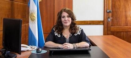 Sonia Tarragona será nombrada por la ministra Carla Vizzotti como jefa de Gabinete de la cartera de Salud de la Nación. Tarragona es Magíster en Finanzas Públicas, Provinciales y Municipales (UNLP). Y cuenta con estudios de posgrado en Economía de la Salud y en Regulación de Servicios Públicos.