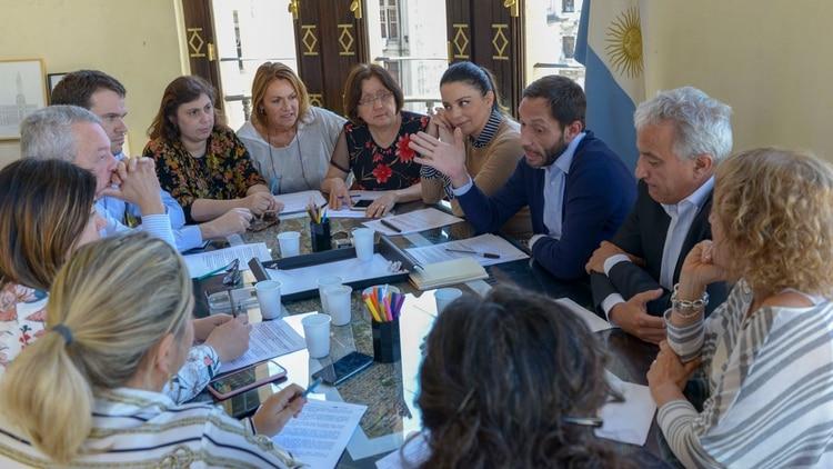 El bloque de diputados de la CC, esta tarde, en las oficinas de Maximiliano Ferraro (Prensa CC)