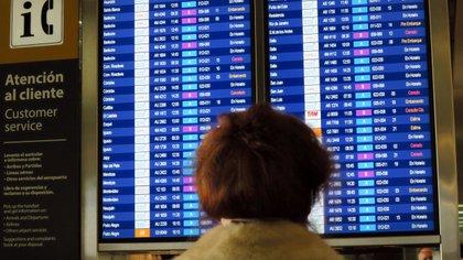 Hay decenas de vuelos cancelados, demorados y desviados. Foto: EFE/Nerea González/Archivo