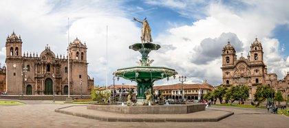 Cusco es otro de los lugares más especiales para celebrar con alegría el comienzo de un nuevo año. La fiesta es en la Plaza Mayor de la ciudad del Cusco o Plaza de Armas con un evento lleno de conciertos gratis, fuegos artificiales, y algunas tradiciones locales (Shutterstock)