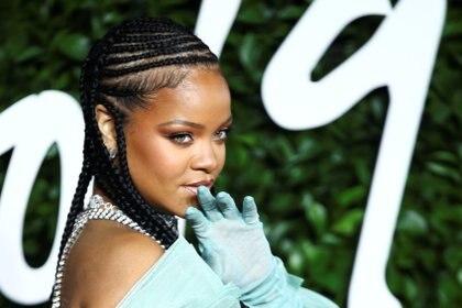 Rihanna gasta miles de dólares en el cuidado de su cabello (REUTERS)