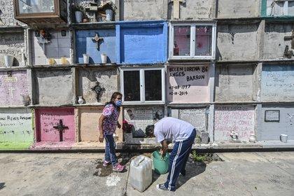 El apoyo no tiene costos de entierro o cremación, independientemente de los cementerios y cementerios en los cementerios (Foto: Padro Pardo / AFP)