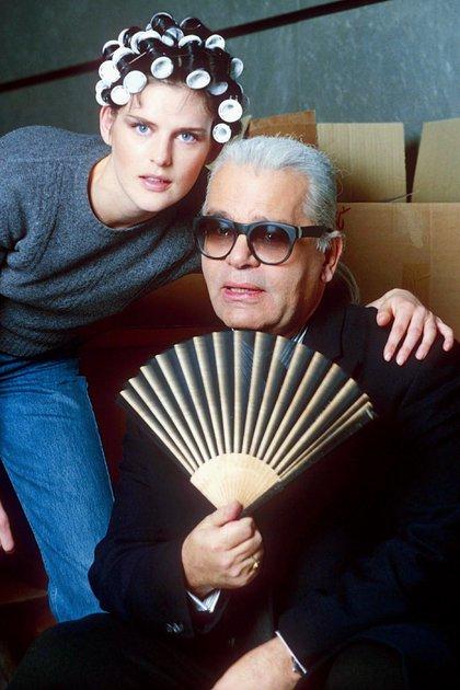 Stella Tennant y  Karl Lagerfeld (Shutterstock)