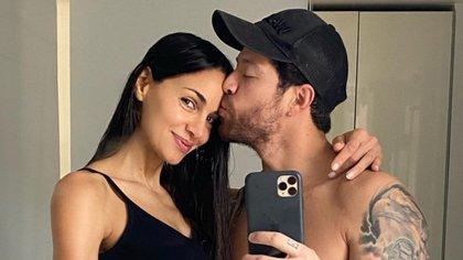 La venganza de 'El Pollo': el modelo le hizo una broma a su pareja Valerie Domínguez con su embarazo