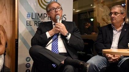 Gerardo Werthein, presidente del Comité Olímpico Argentino, estuvo presente en el lanzamiento (Nicolás Stulberg)