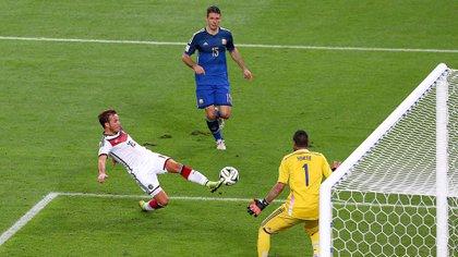 """Demichelis en la """"foto"""" del gol de Götze (Foto: Shutterstock)"""