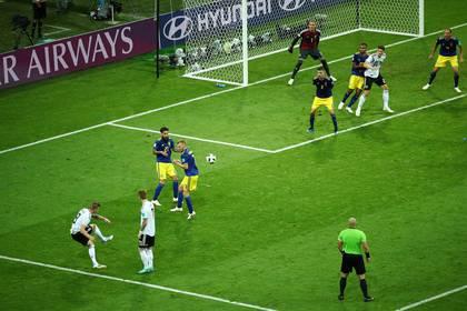 Toni Kroosmarcó uno de los 23 goles en el minuto 90 o en tiempo adicionado que hubo en el Mundial(REUTERS)