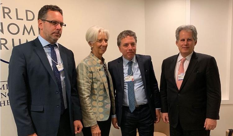 En Davos, Lagarde felicitó a los funcionarios argentinos.