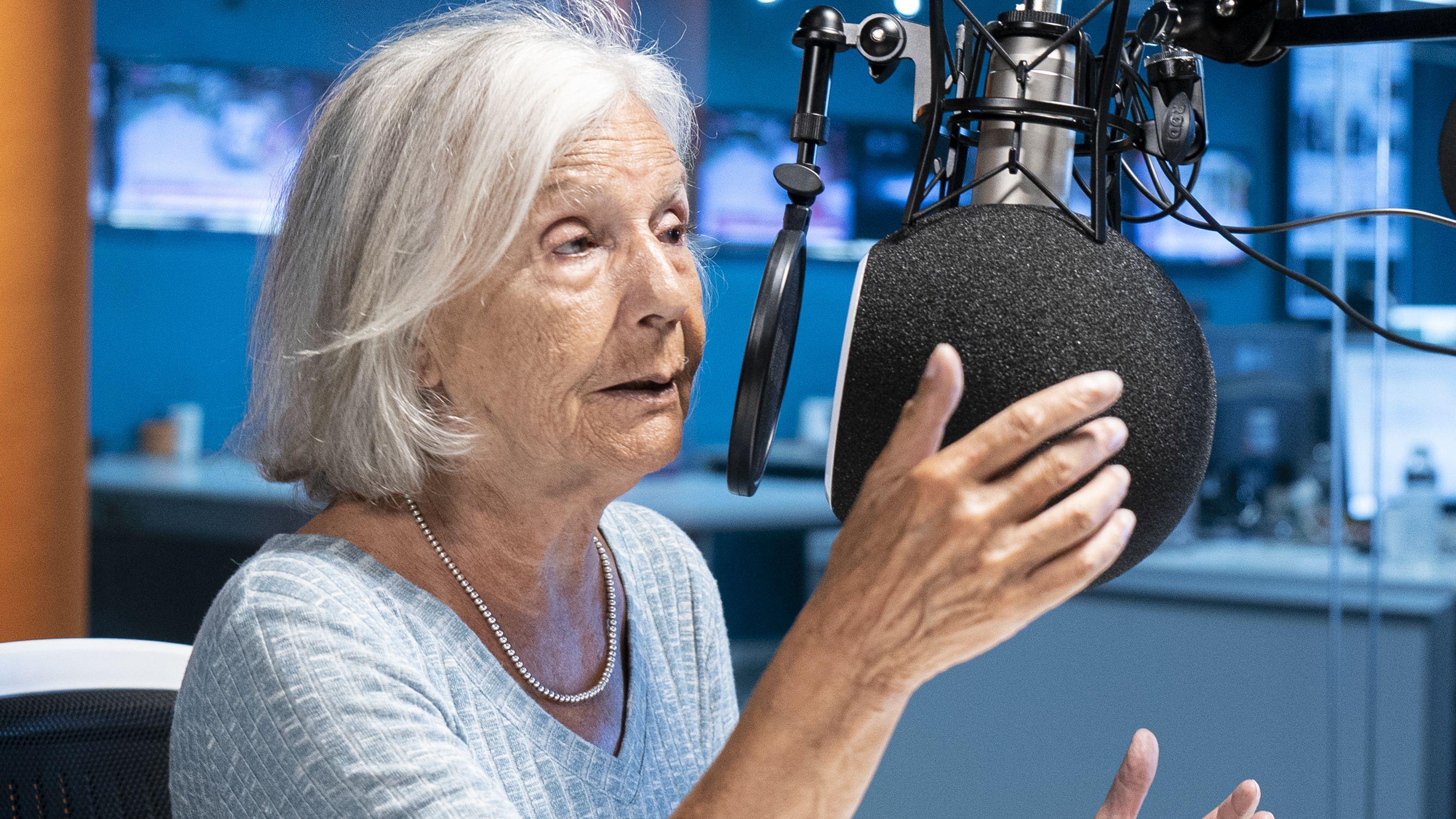 """La ensayista consideró que el permiso para los mayores de 70 años es un """"estado de sitio selectivo"""""""