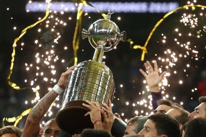 Según uno de los dueños de la Liga MX, la FMF aceptó un proyecto para que los clubes nacionales y la selección mexicana regresen a estos importantes torneos. (Foto: Sergio Perez/Reuters)