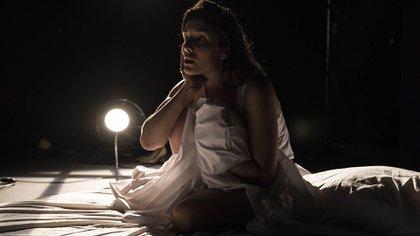 """Uruguay estará presente con """"Terrorismo emocional"""", una obra para transformar las miserias personales en algo positivo. La dramaturgia e interpretación está a cargo de Josefina Trías. (Brian Ojeda)"""