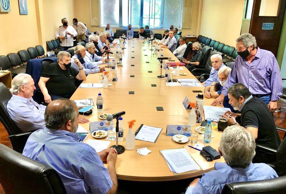 El consejo directivo de la CGT pidió al Gobierno mantener la ayuda social