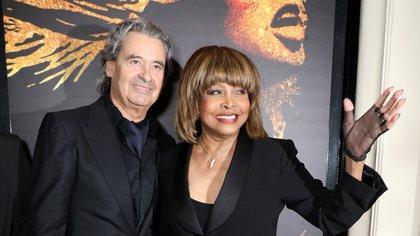 La estrella vive en Suiza con el productor musical alemán Erwin Bach, con quien se casó en 2013 luego de 27 años juntos