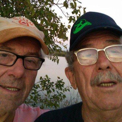 """Su abuelo, a la derecha: """"Creo que el amor supera todas las barreras"""", dice"""