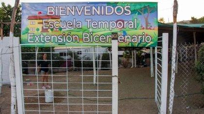 Ahí donde las autoridades educativas no llegaron, si lo hicieron los hijos del Chapo (Foto: Facebook@Erick Meraz)
