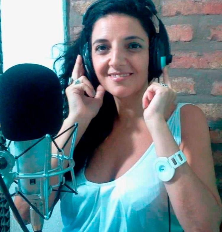 Claudia Vázquez es conductora del programa Las Mañanitas de Radio Bohemia