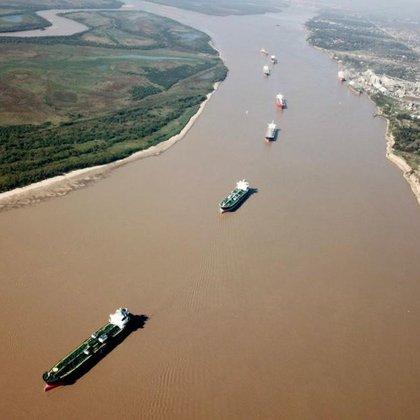 La navegación comercial del Río Paraná afectada por una caída del lecho (Gente de Río)