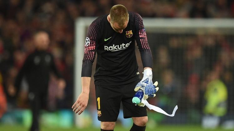 La imagen de Ter Stegen abatido tras el pitazo del árbitro (Foto: AFP)