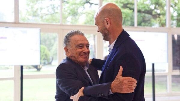Eurnekian y Guillermo Dietrich, ministro de Transporte, en Olivos