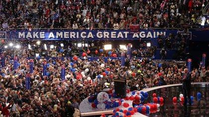Foto de archivo de Donald Trump en la Convención Nacional Republicana de 2016 en Cleveland, Ohio.  Jul 21 2016.      REUTERS/Carlo Allegri