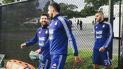 Lionel Messi y el Patón Guzmán compartieron años en la Selección (@TeamLioneIMessi)