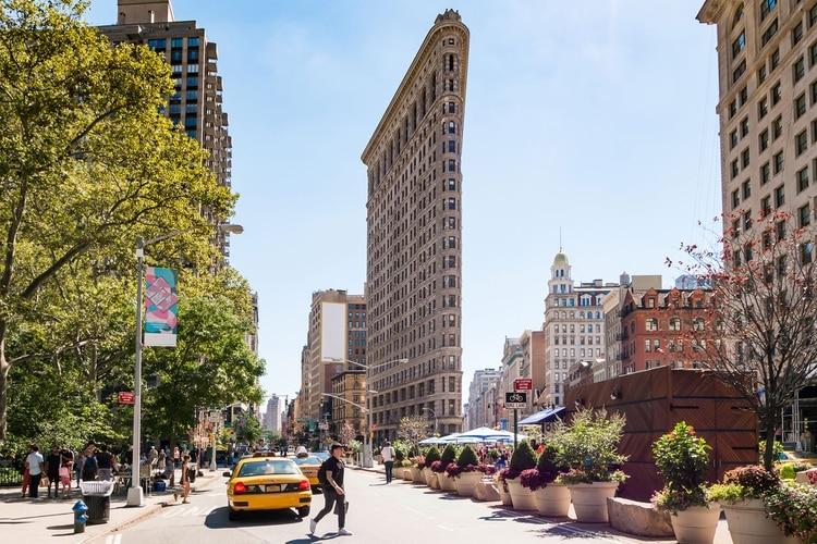 El edificio Flatiron, originalmente edificio Fuller, es un rascacielos centenario de Manhattan, uno de los edificios más altos de Nueva York cuando se finalizó en el año 1902 (Shutterstock)