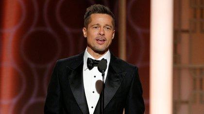 Brad Pitt, en el escenario de los Golden Globes 2017 (Reuters)