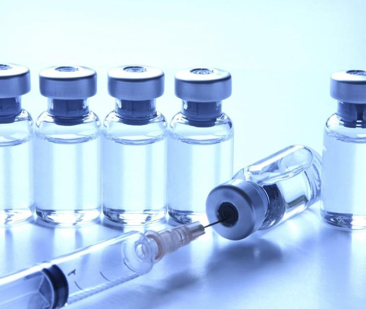 La aplicación de toxina botulínica ofrece muy buenos resultados en hiperhidrosis, aunque no permanentes